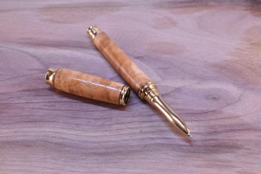 dřevěné pero kuličkové
