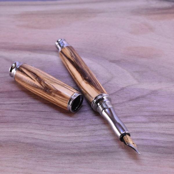 dřevěné pero plnici