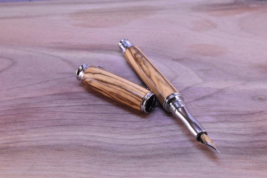 dřevěné pero plnicí
